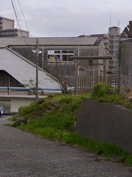 MAIN PHOTO:JR東日本習志野運輸区内の鳥居