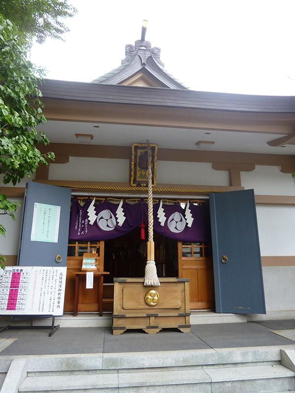MAIN PHOTO:穏田神社
