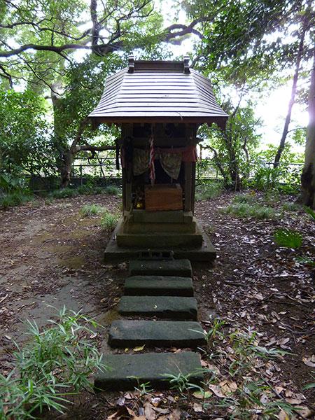 MAIN PHOTO:阿蘇沼片葉葭厳島神社